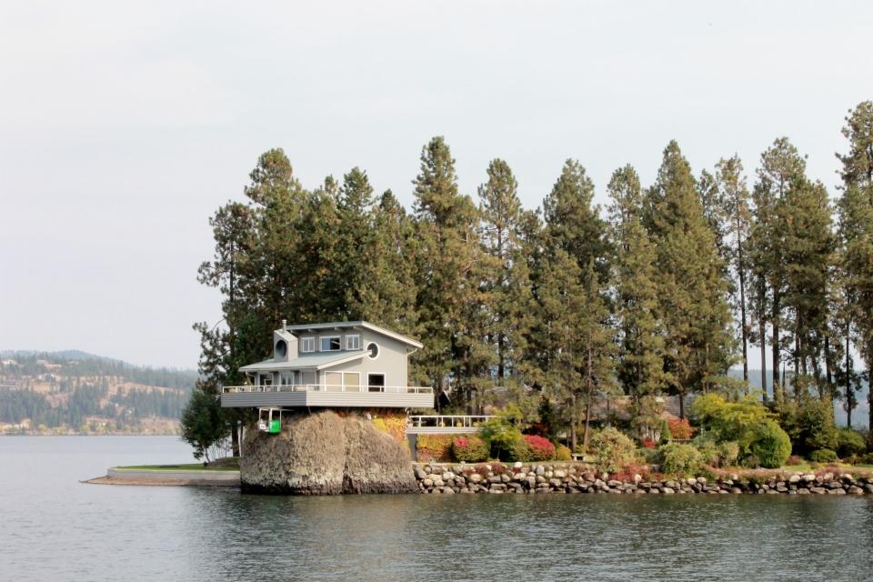 coeur d'alene lake property